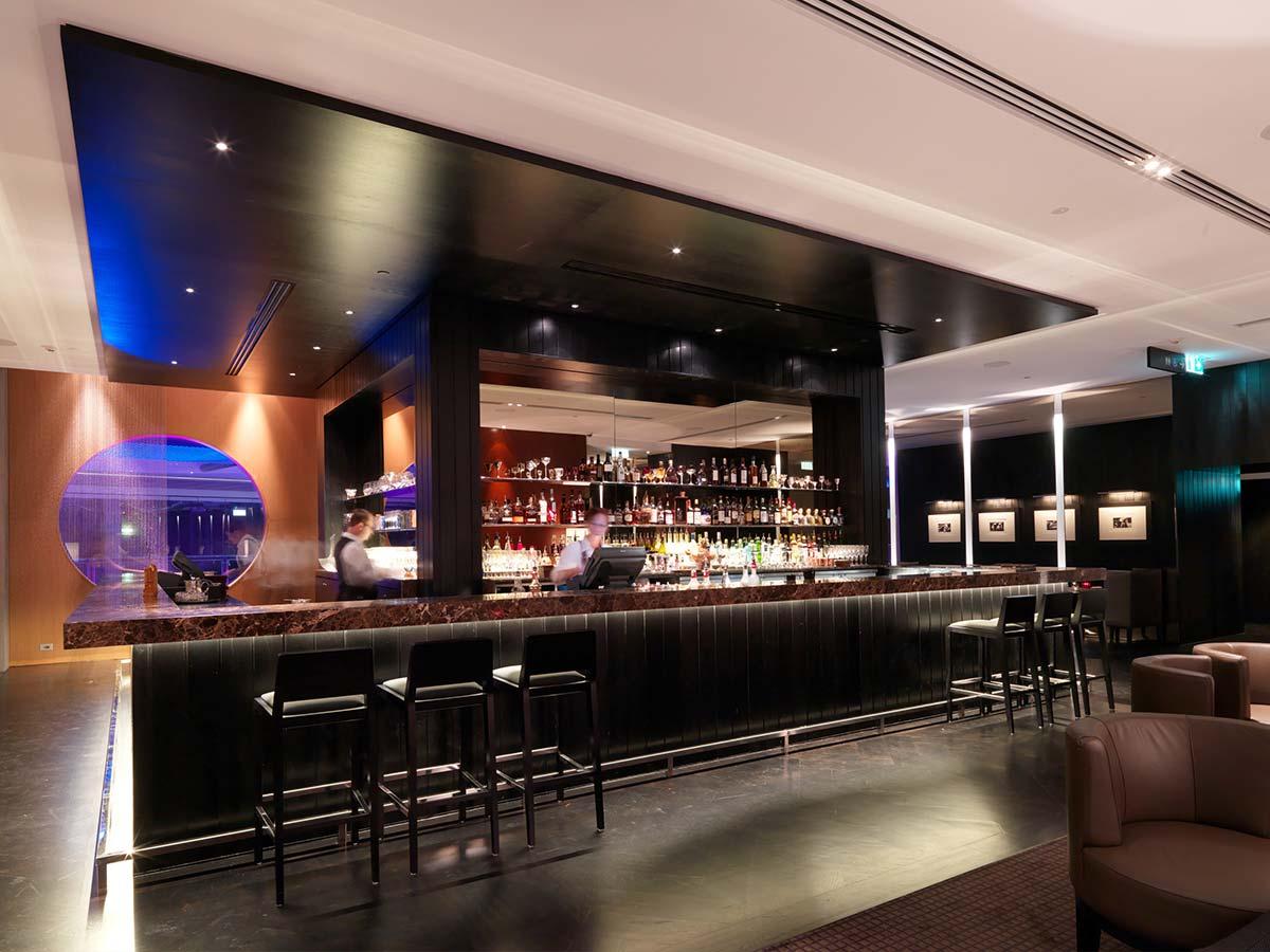 Hilton-Surfers-Paradise-bar1