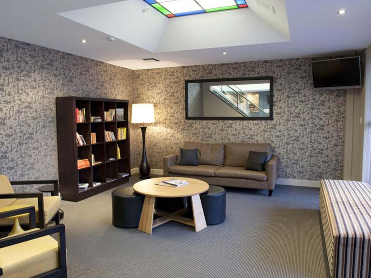 BreakFree-Adelaide-lounge