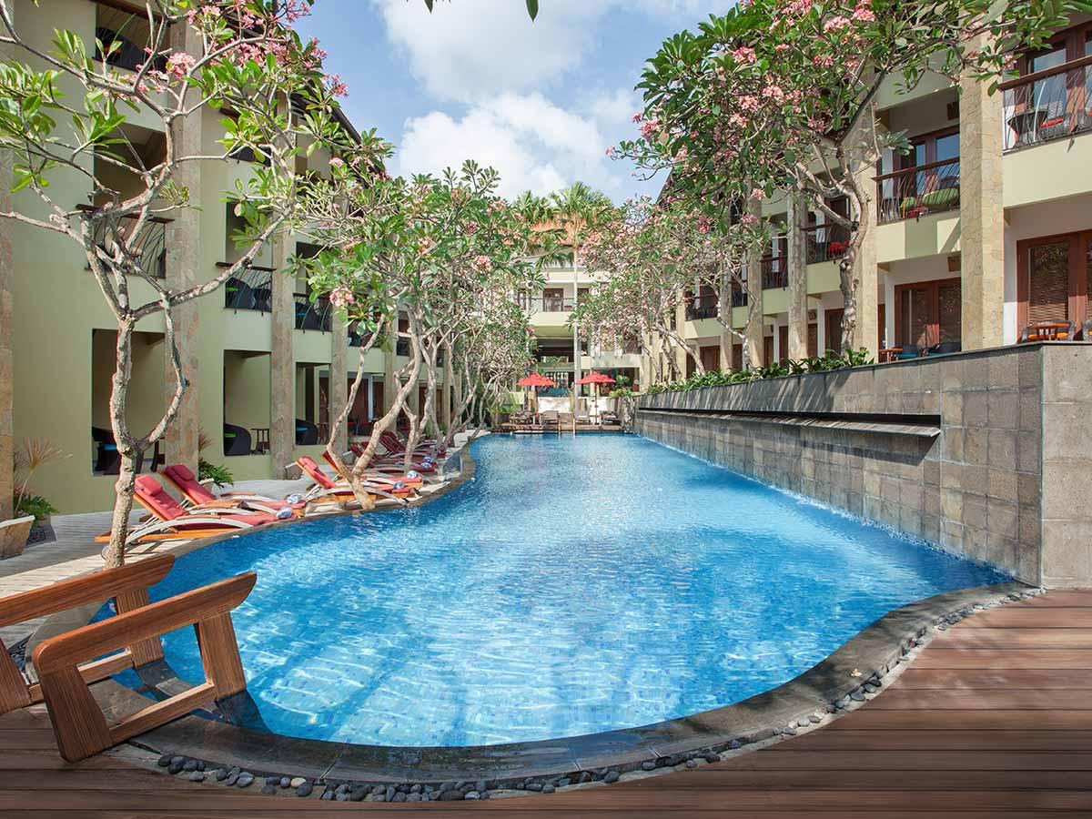 Ibis-Styles-Bali-Legian-pool
