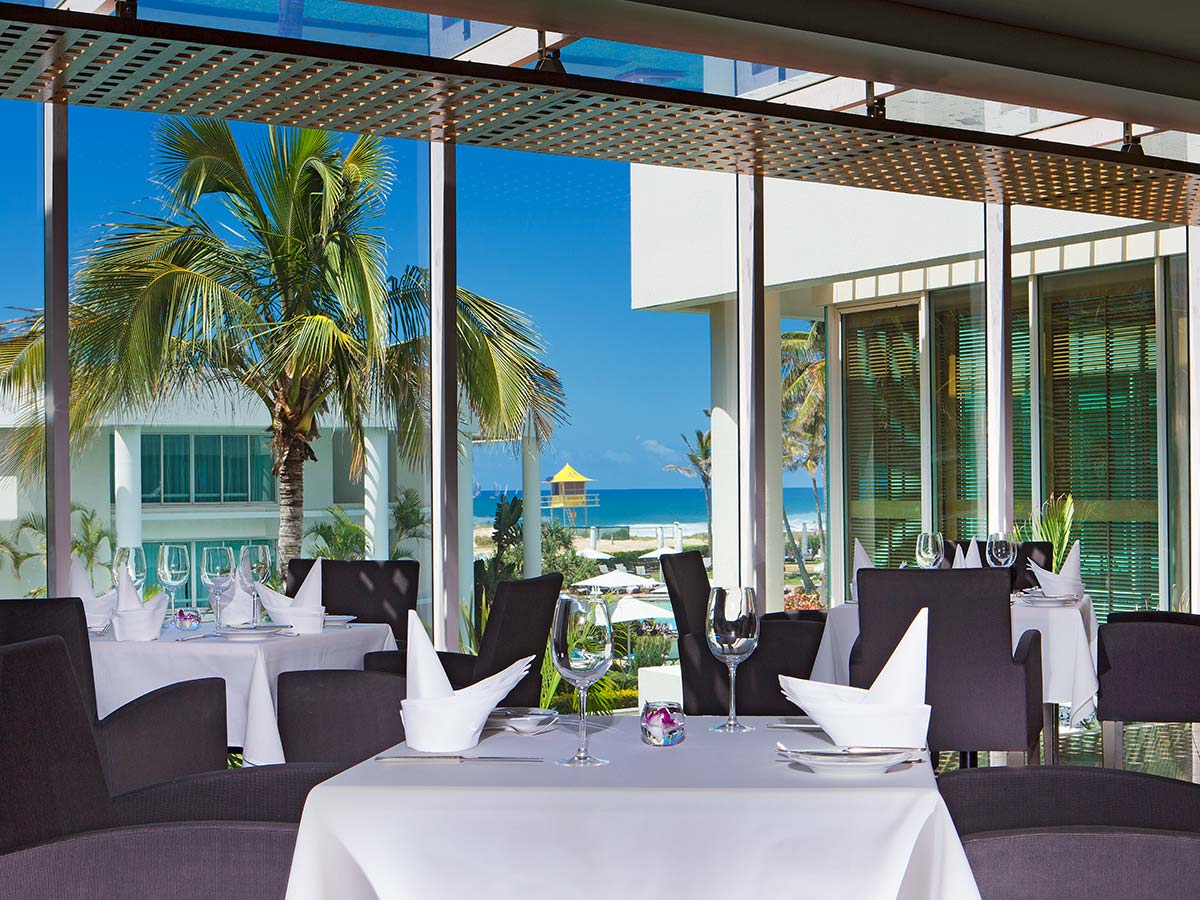 Sheraton-Grand-Mirage-Resort-Gold-Coast-oyster-bar