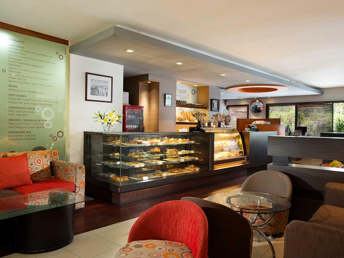 Novotel-Bali-Nusa-Dua-cafe