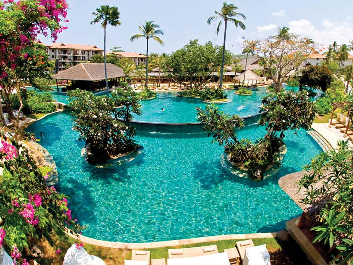 Novotel-Bali-Nusa-Dua-lagoon-pool