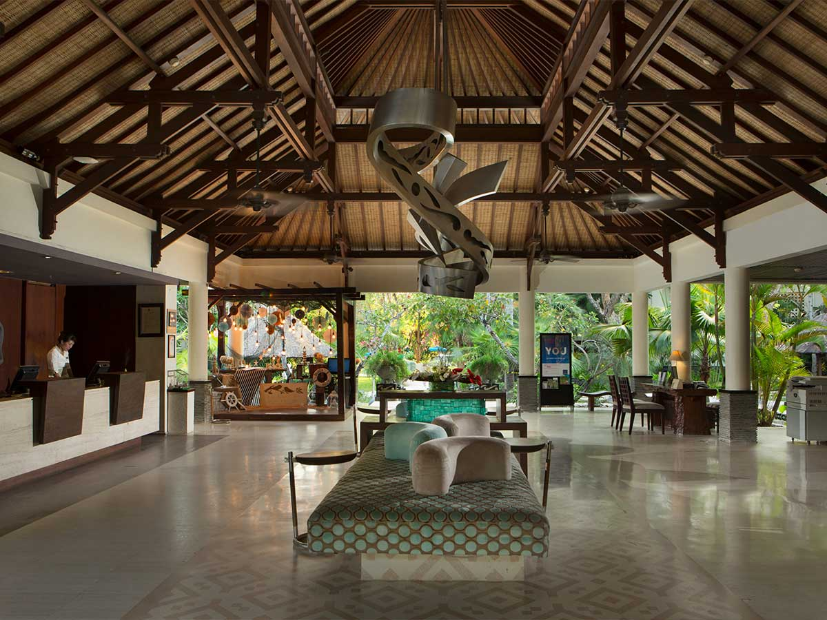 Novotel-Bali-Nusa-Dua-lobby