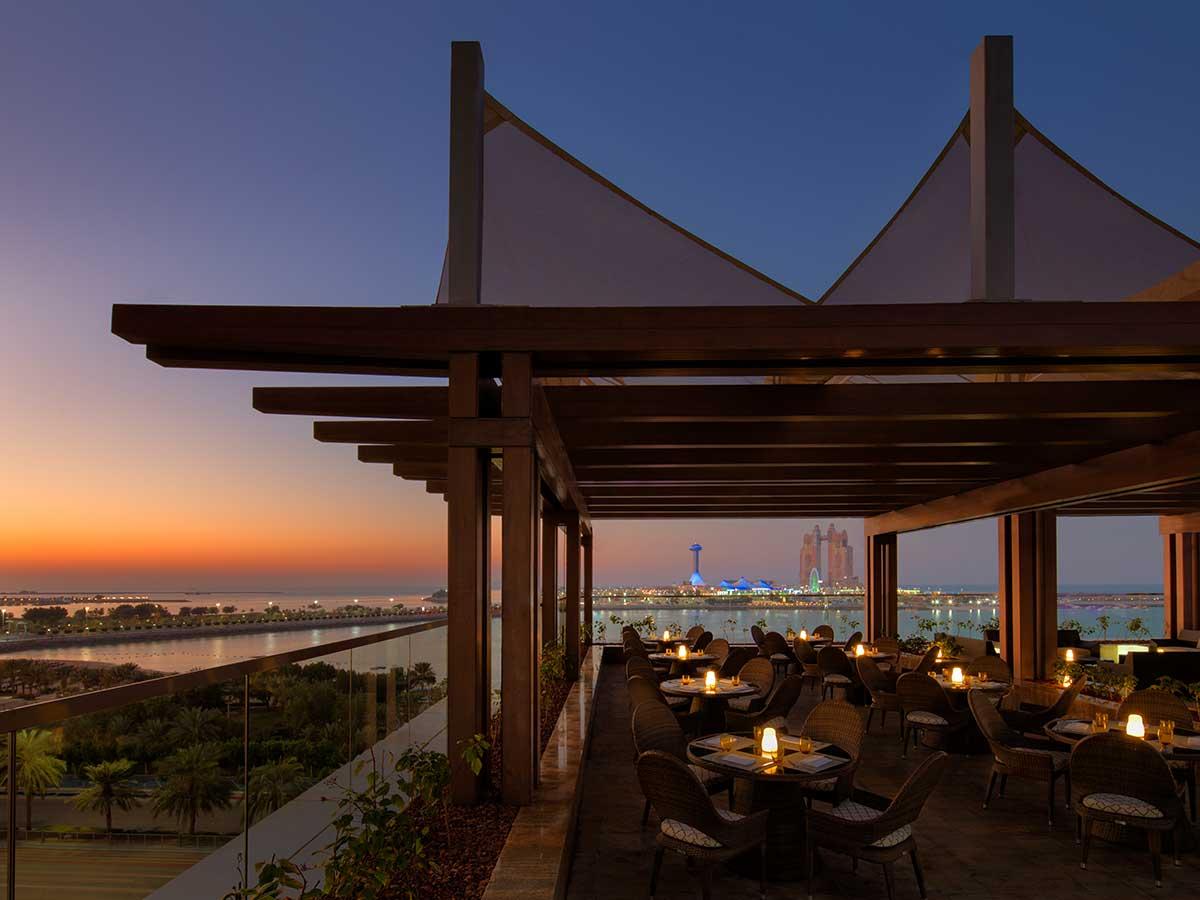 St.-Regis-Abu-Dhabi-upper-deck