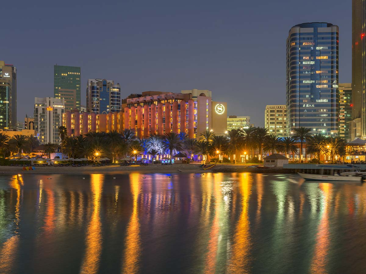 Sheraton-Abu-Dhabi-night