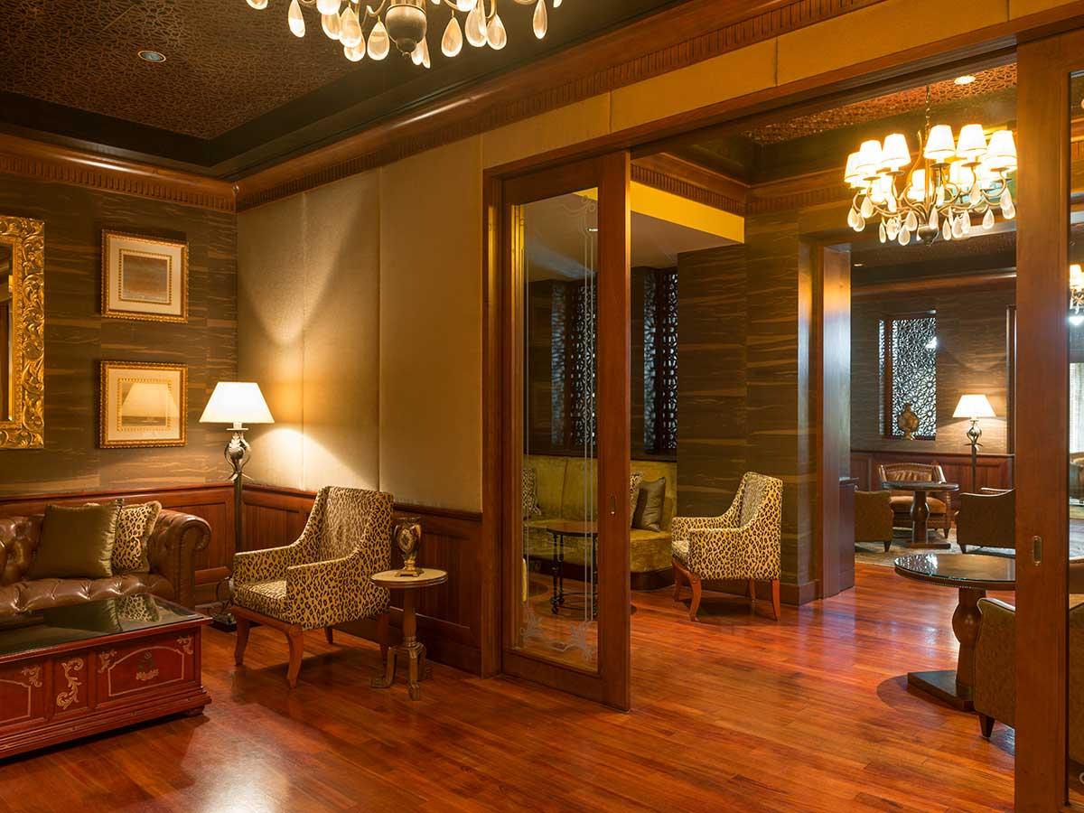 Sheraton-Abu-Dhabi-cloud-9-lounge