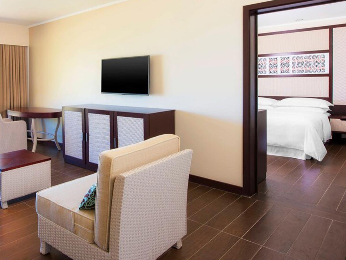 Sheraton-Samoa-Beach-Resort-executive-1-bedroom-suite