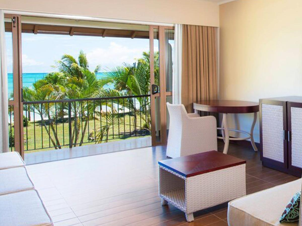 Sheraton-Samoa-Beach-Resort-deluxe-1-bedroom-suite