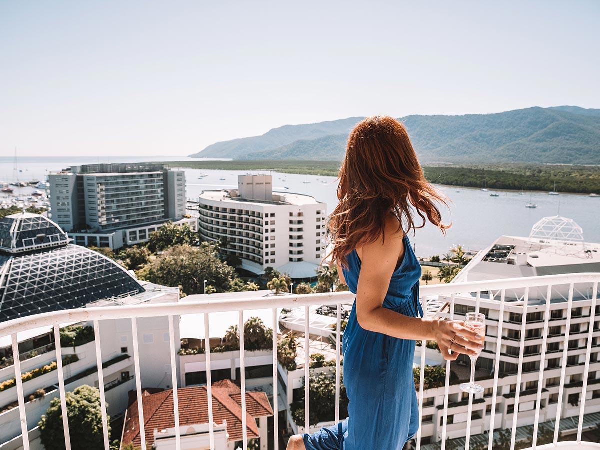 Pullman-Cairns-rooftop