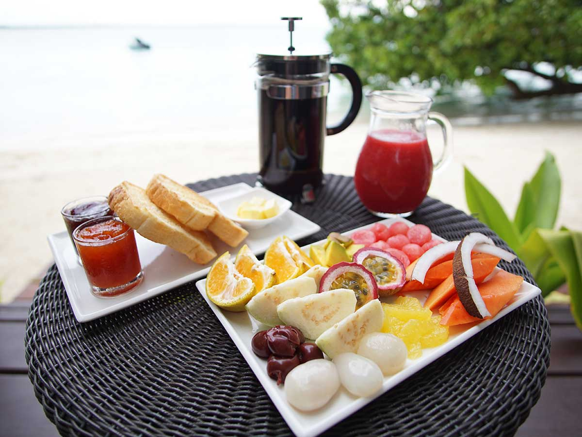 Barrier-Beach-Resort-Santo-brekafast