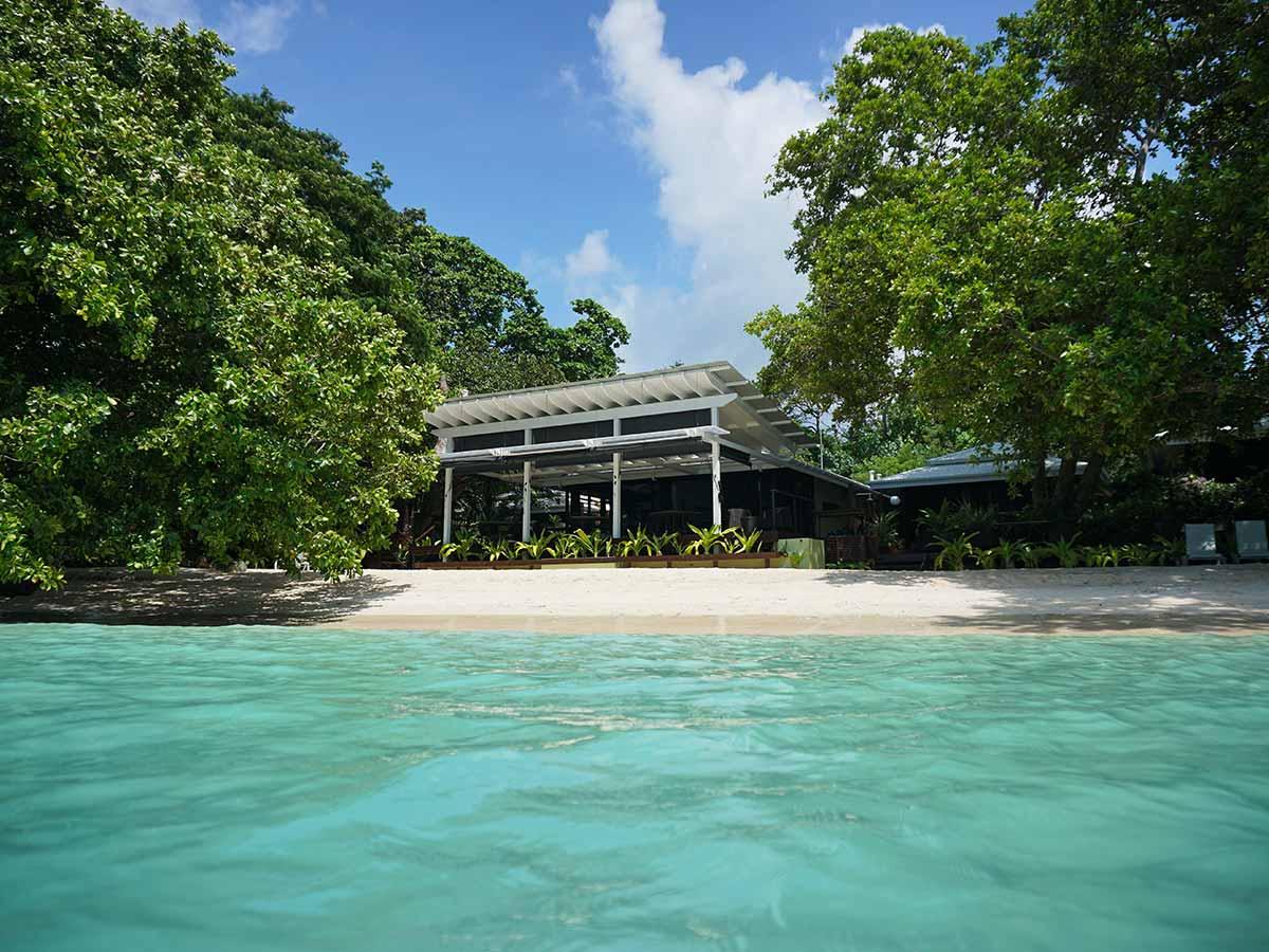 Barrier-Beach-Resort-Santo-view