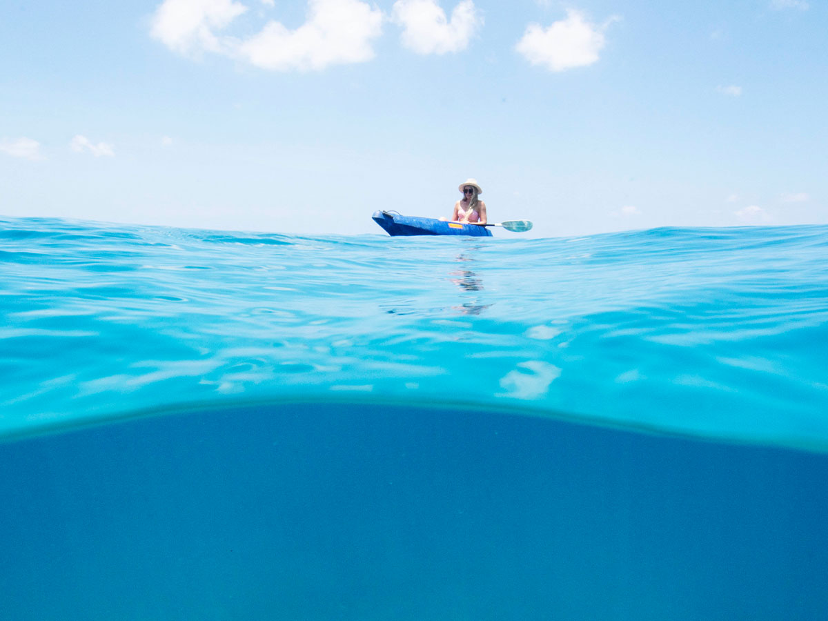 Barrier-Beach-Resort-Santo-kayak
