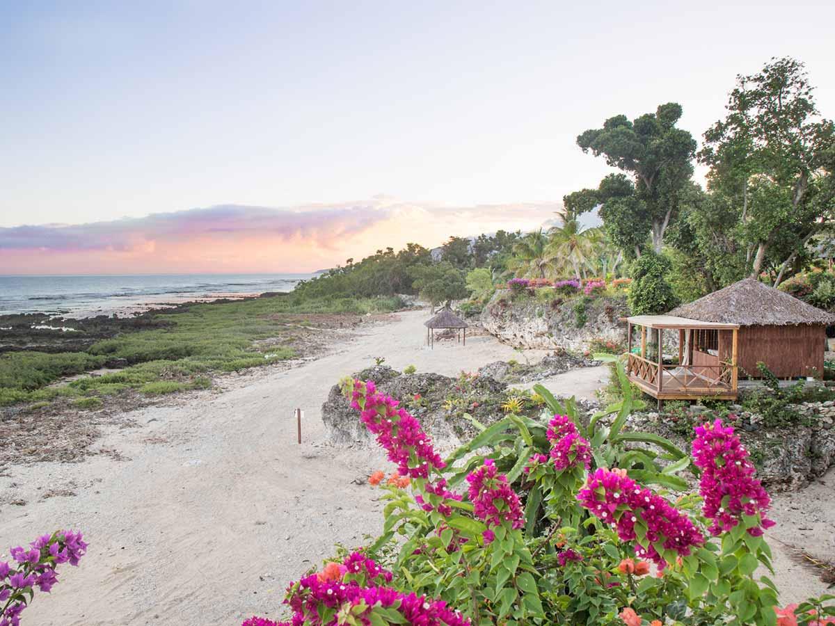White-Grass-Ocean-Resort-beach-and-spa