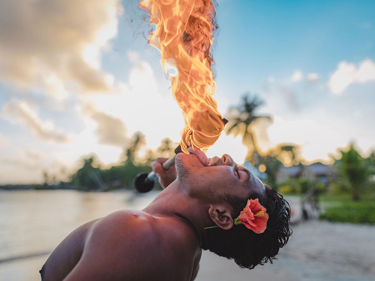 Sinalei-Reef-Resort-Samoa-fire-breathing