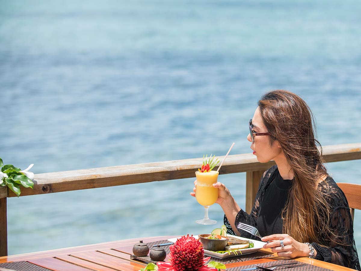 Crusoes-Retreat-meal
