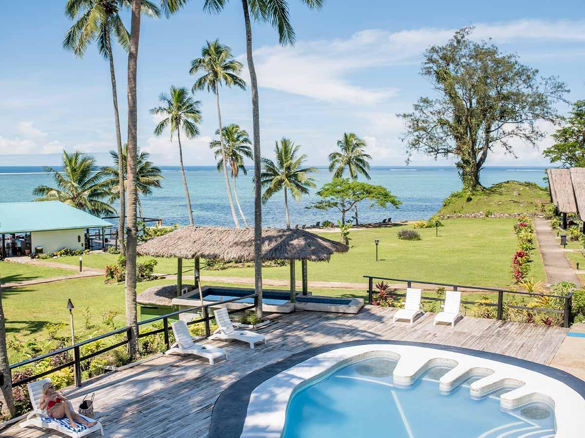 Crusoes-Retreat-pool