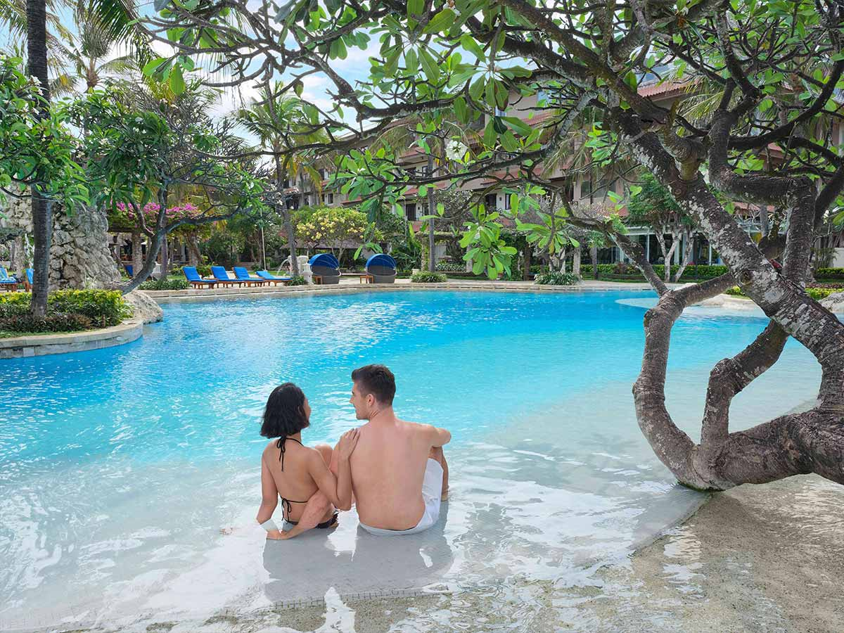 Hotel-Nikko-Bali-pool