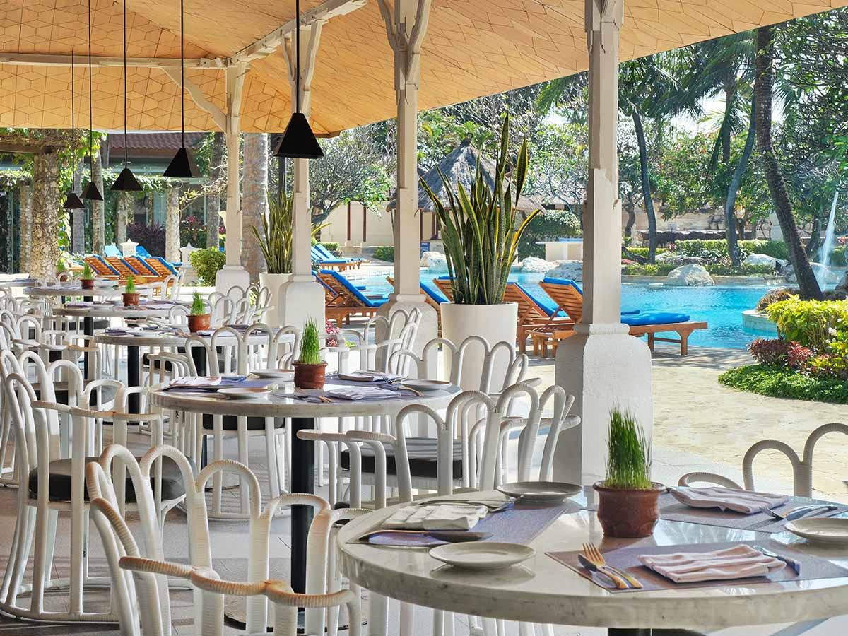 Hotel-Nikko-Bali-dining