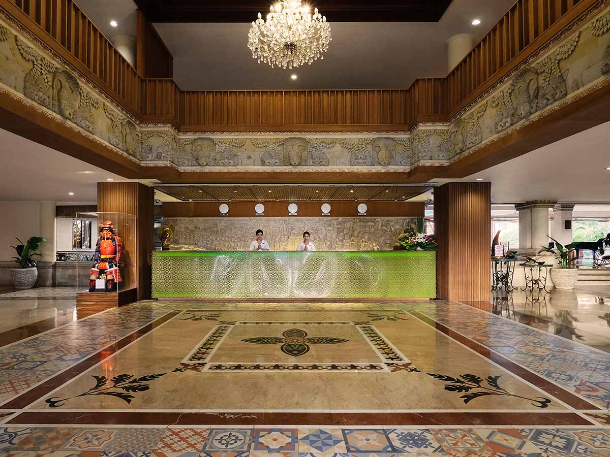 Hotel-Nikko-Bali-entrance