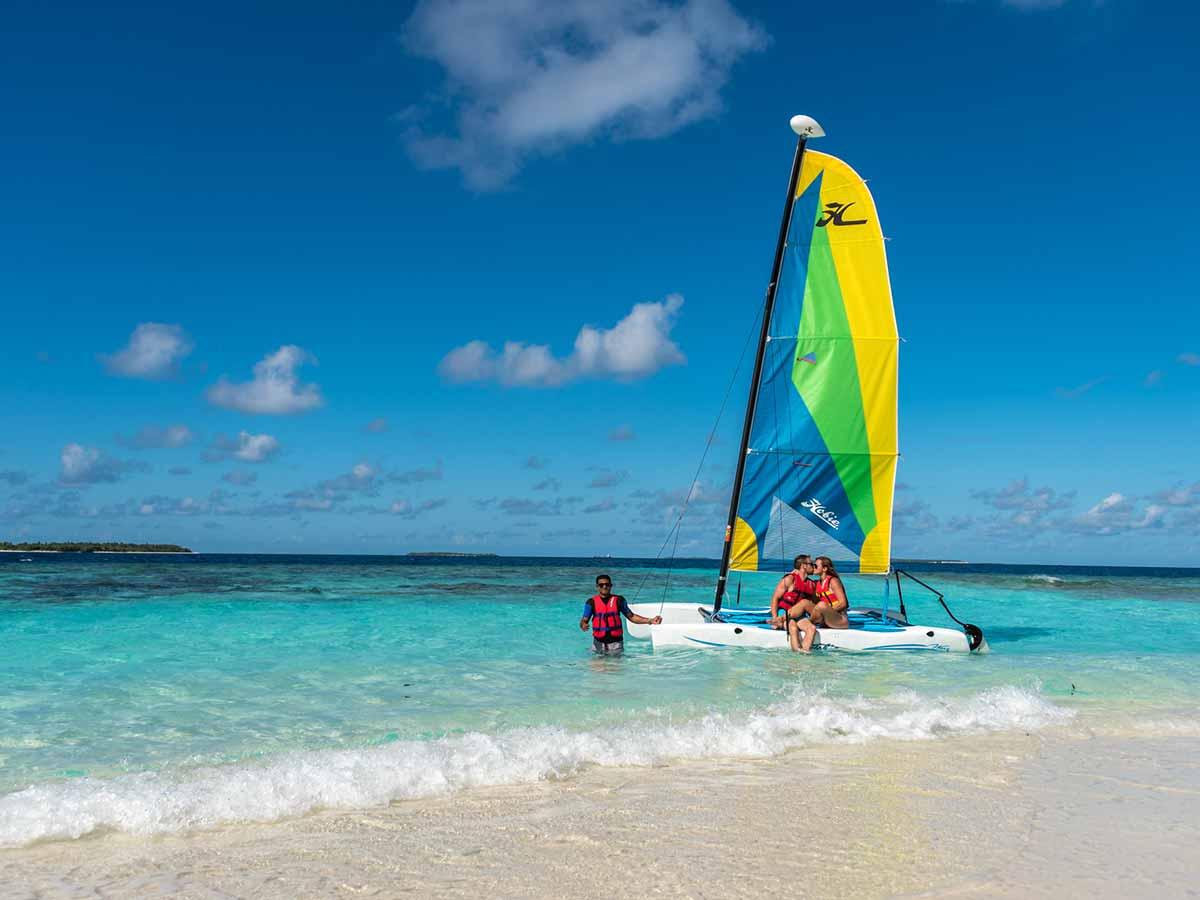Furaveri-Island-Resort-Spa-catamaran