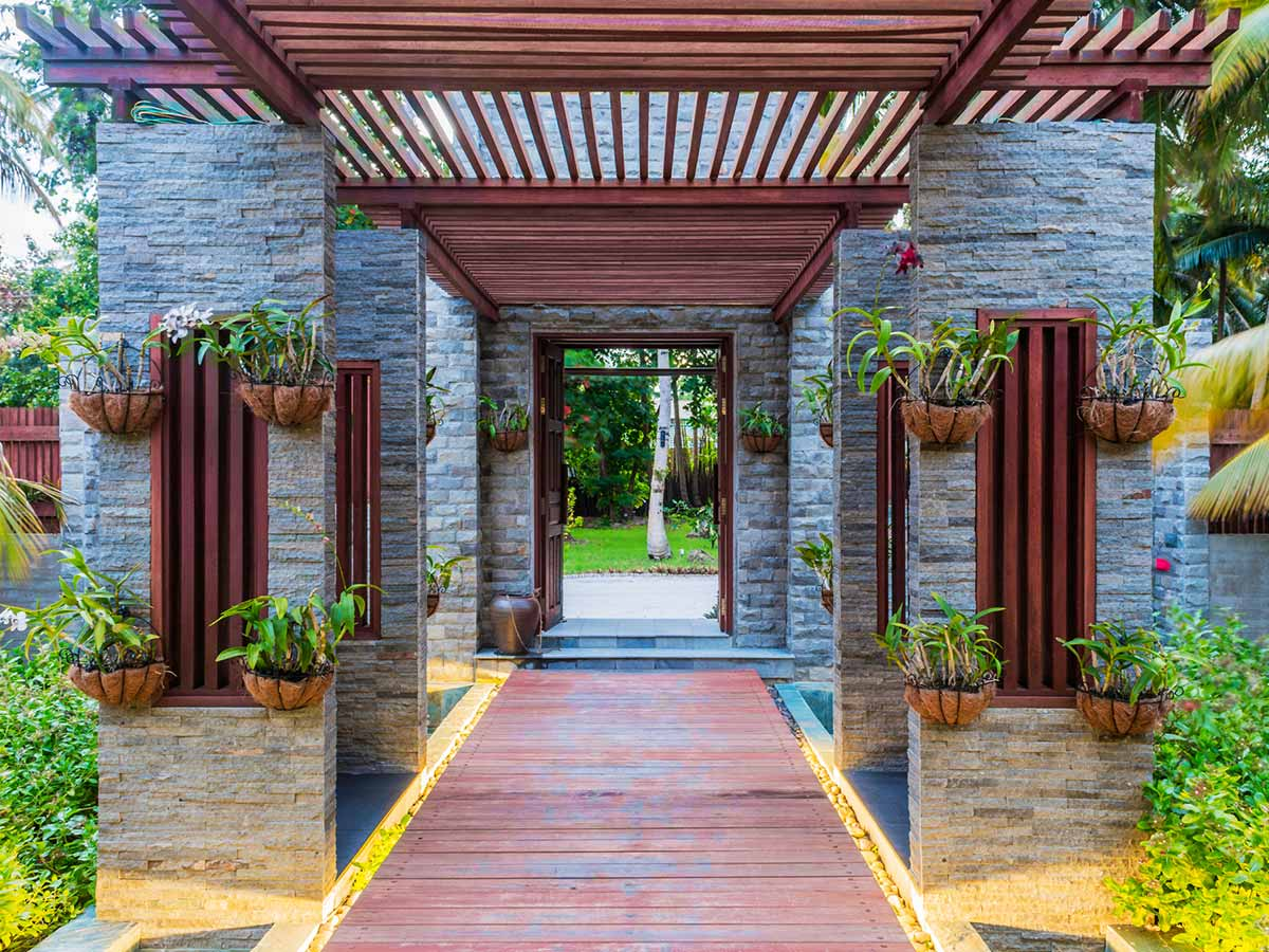 Furaveri-Island-Resort-Spa-entrance-spa