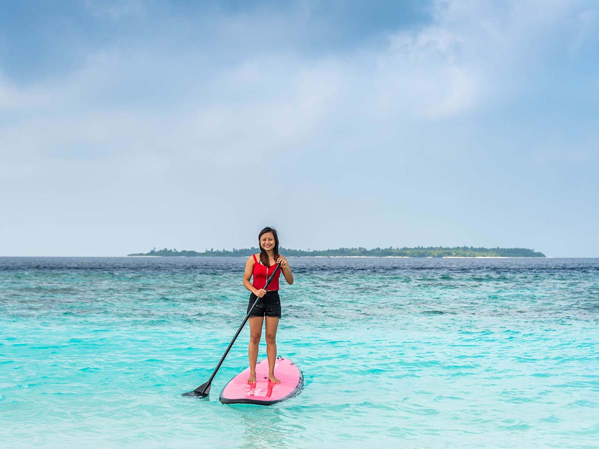 Furaveri-Island-Resort-Spa-paddle