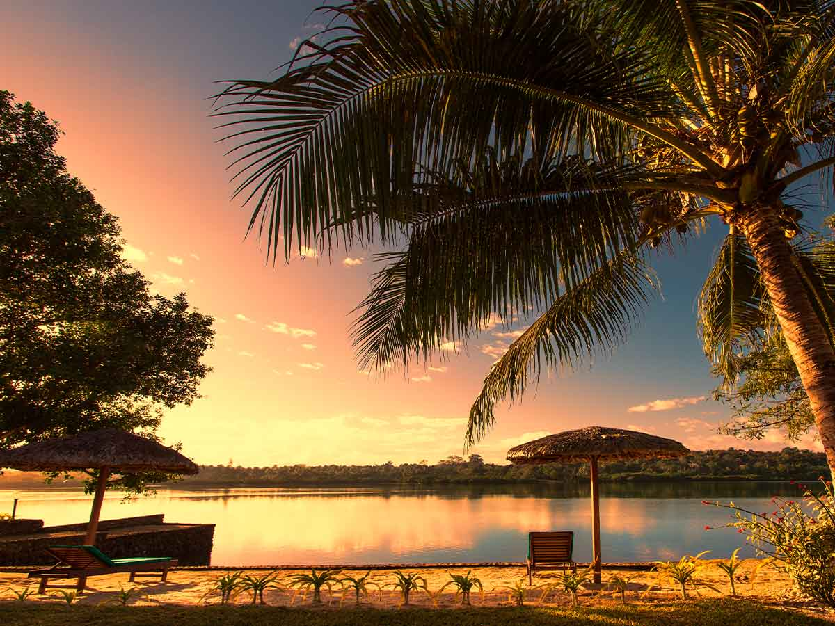 Poppys-on-the-Lagoon-Vanuatu-lagoon-eveening