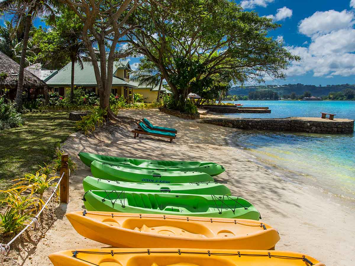 Poppys-on-the-Lagoon-Vanuatu-kayaks