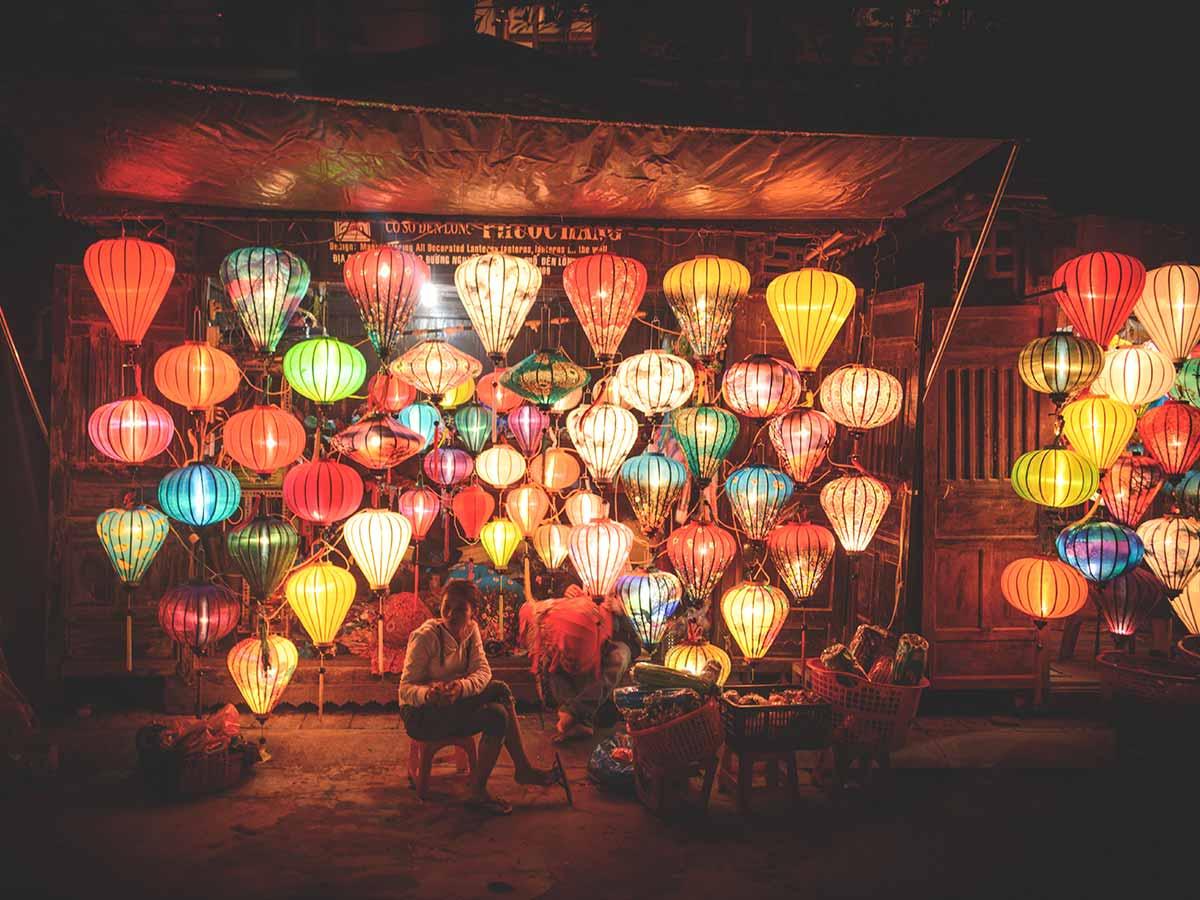 intrepid-vietnam-lanterns