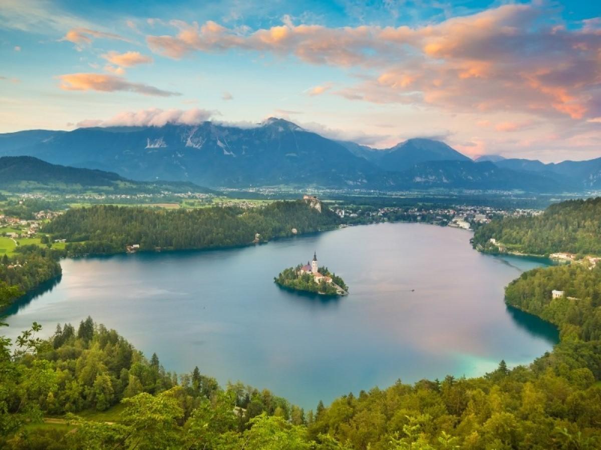 Lake-Bled-Small-Ship-Croatia