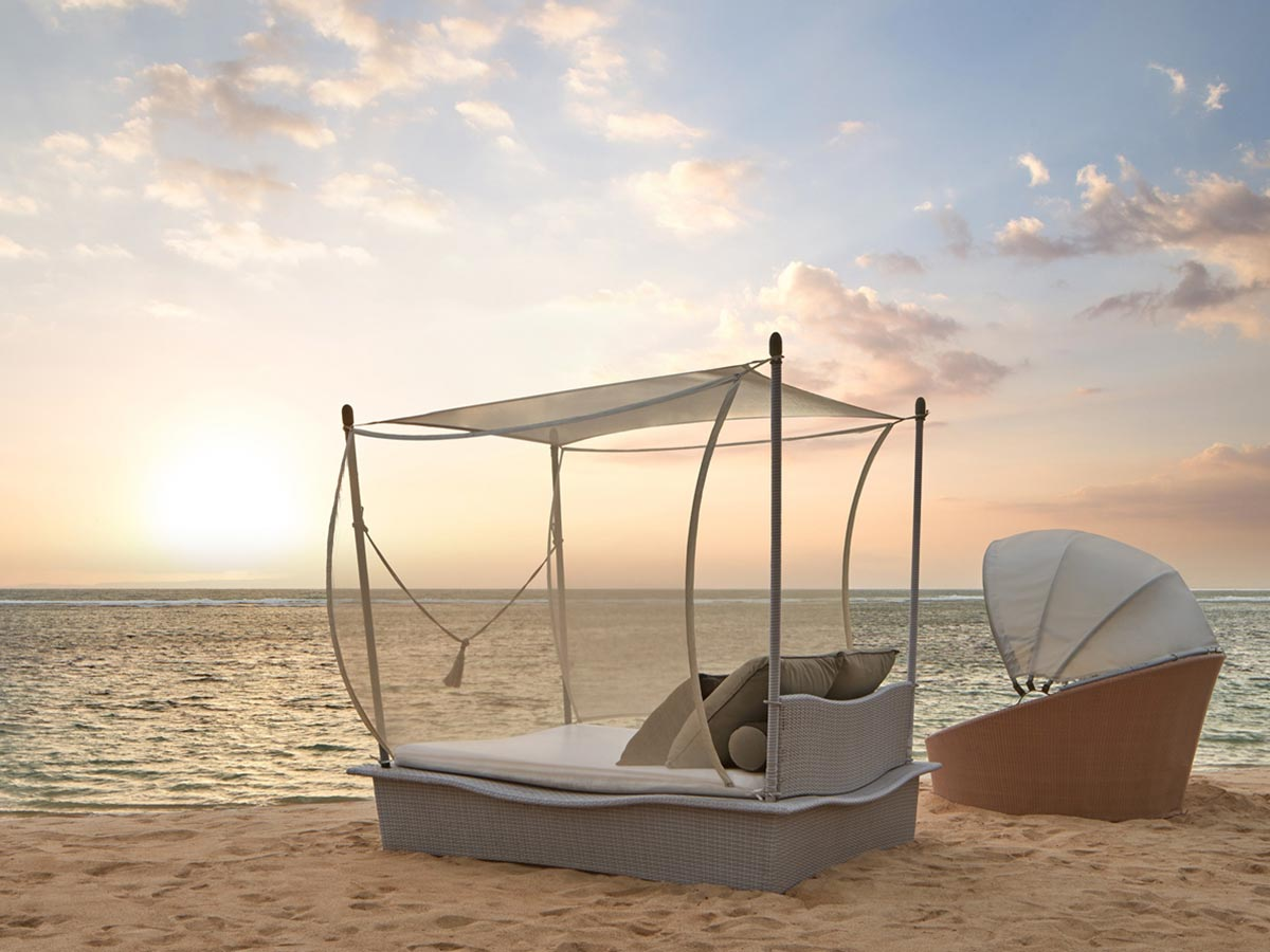 Westin-Resort-Nusa-Dua-dream-bed-and-cocoon