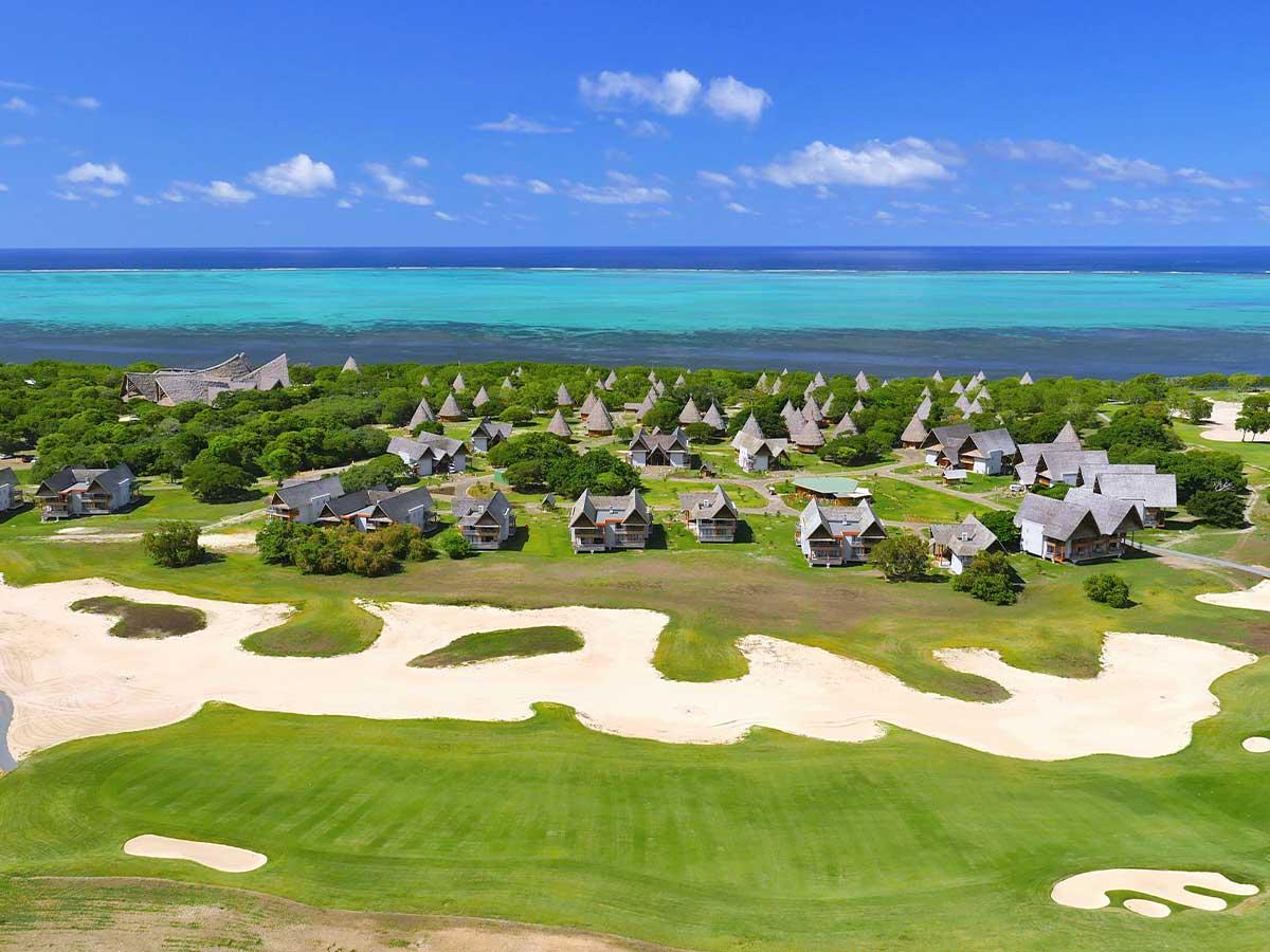 Sheraton-New-Caledonia-Deva-golf