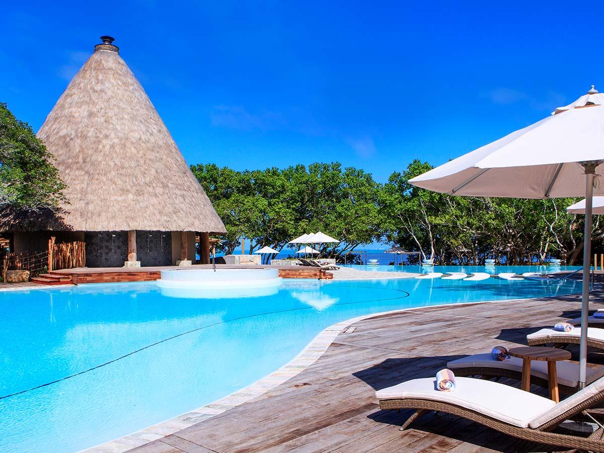 Sheraton-New-Caledonia-Deva-pool