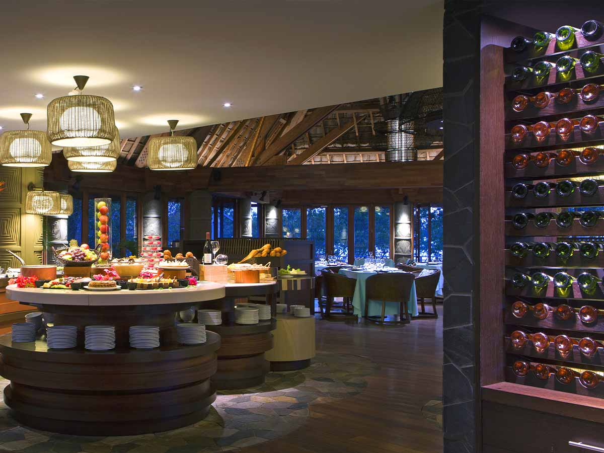 Sheraton-New-Caledonia-Deva-restaurant