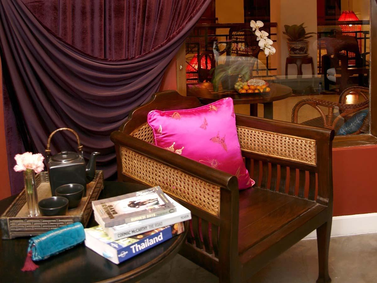 Shanghai-Mansion-Bangkok-delxue-room
