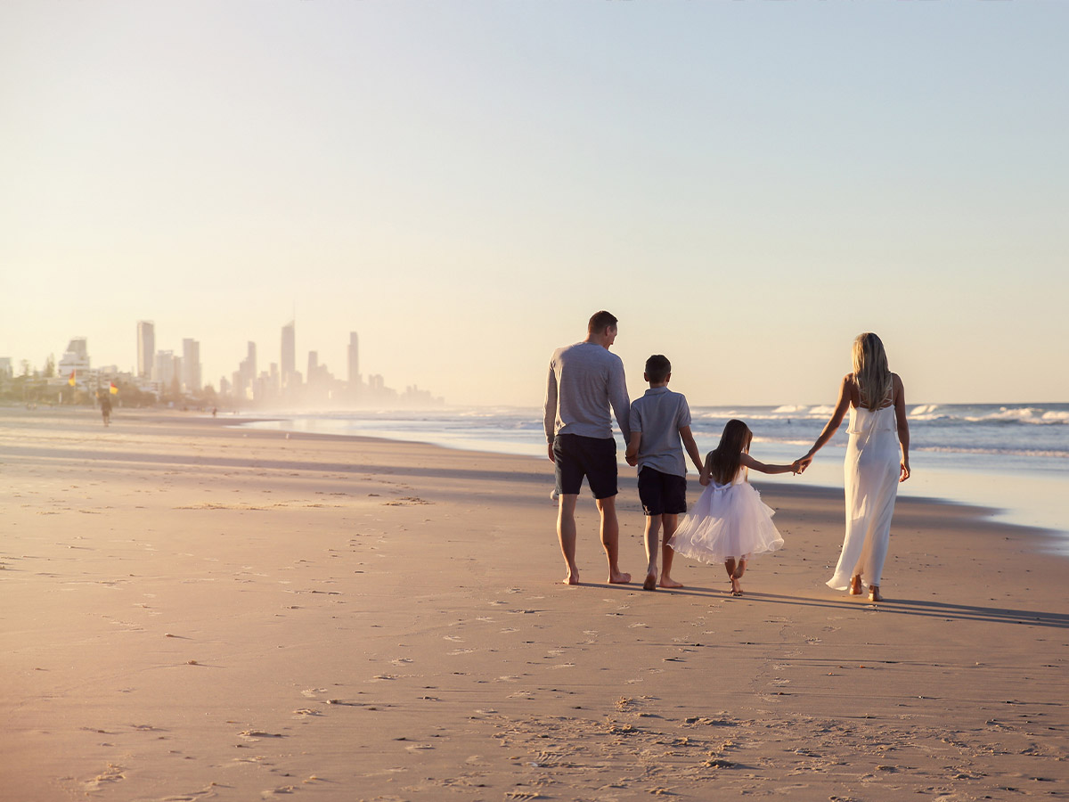 Gold-Coast-Queensland-beach-family