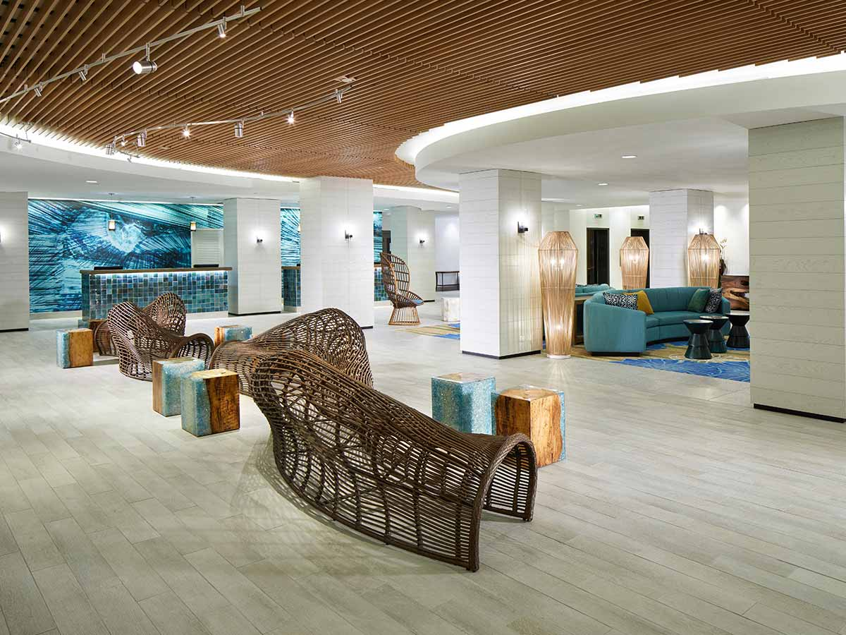 Waikiki-Beachcomber-by-Outrigger-lobby