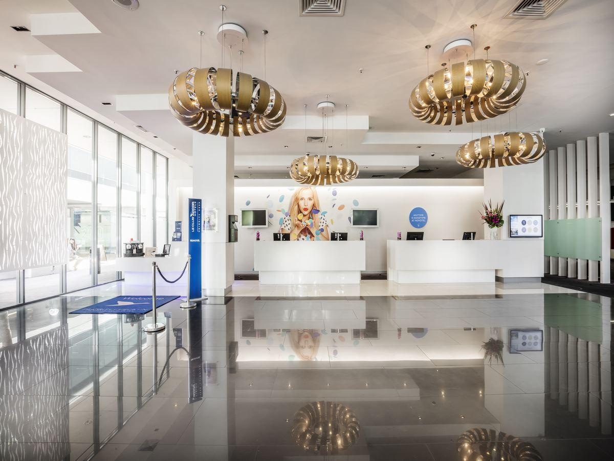 Novotel-Brisbane-Lobby