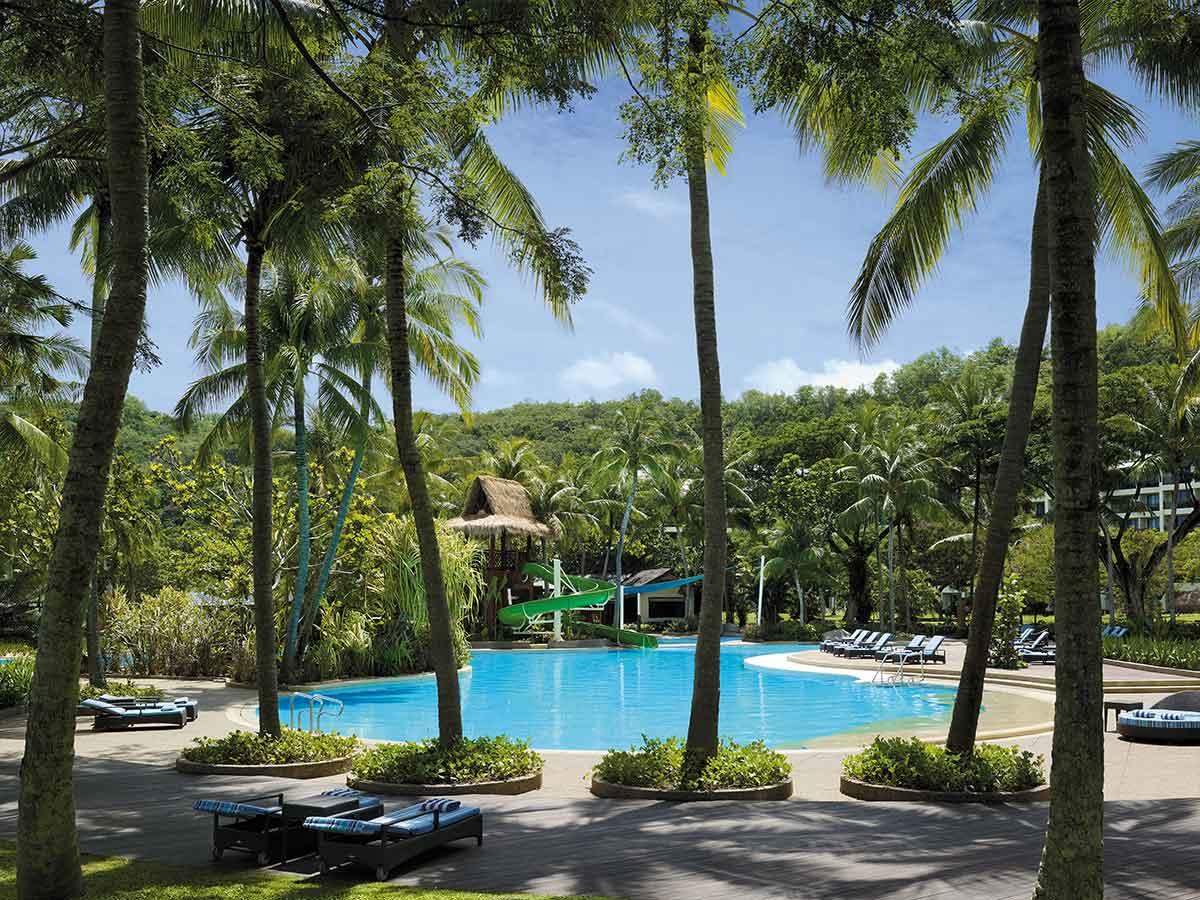 Shangri-La-Rasa-Ria-Resort-gardne-wing-pool