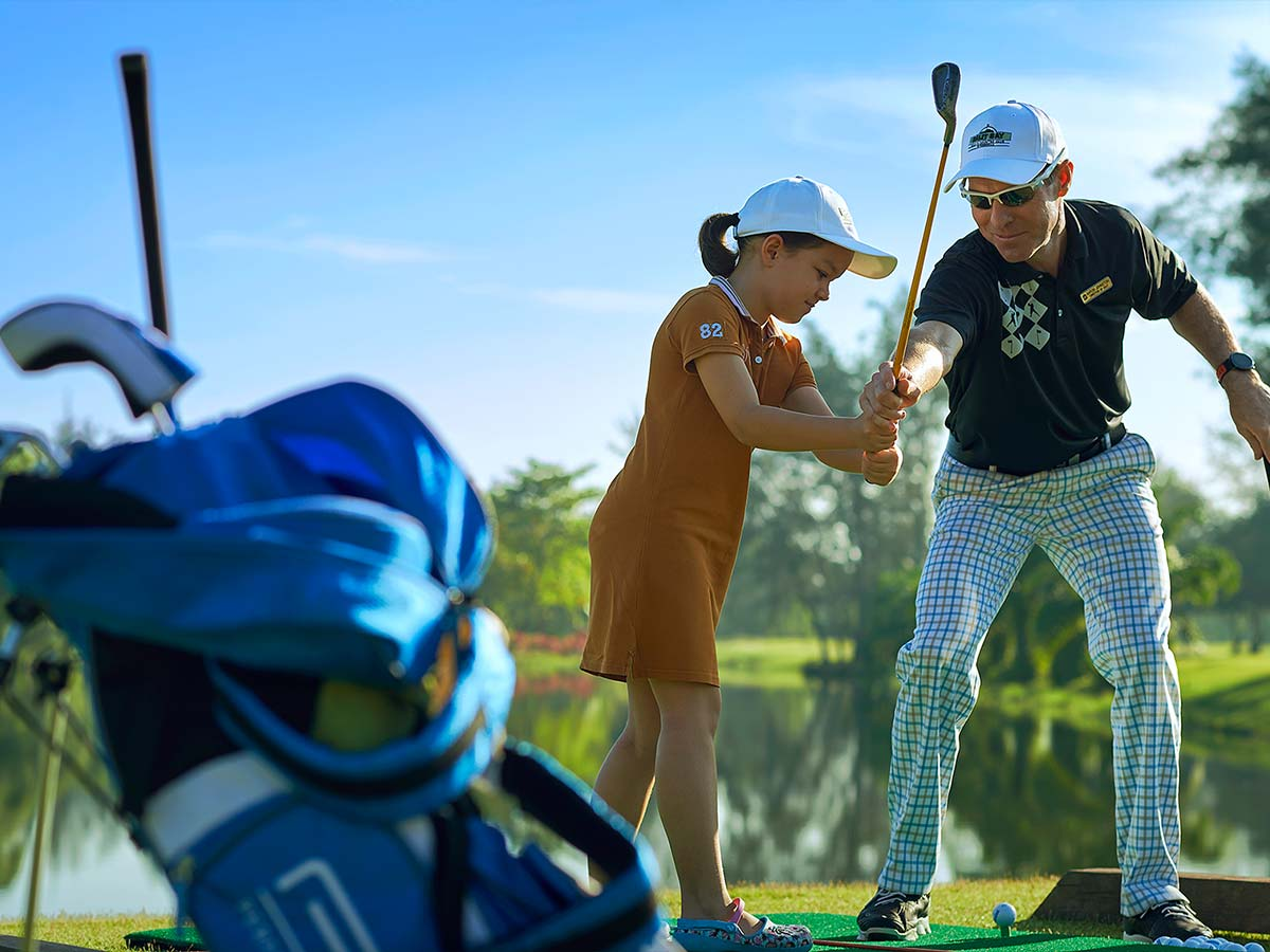 Shangri-La-Rasa-Ria-Resort-golf-kids