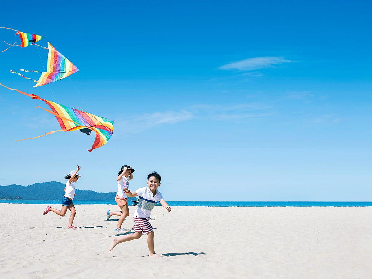 Shangri-La-Rasa-Ria-Resort-kids-kite-beach
