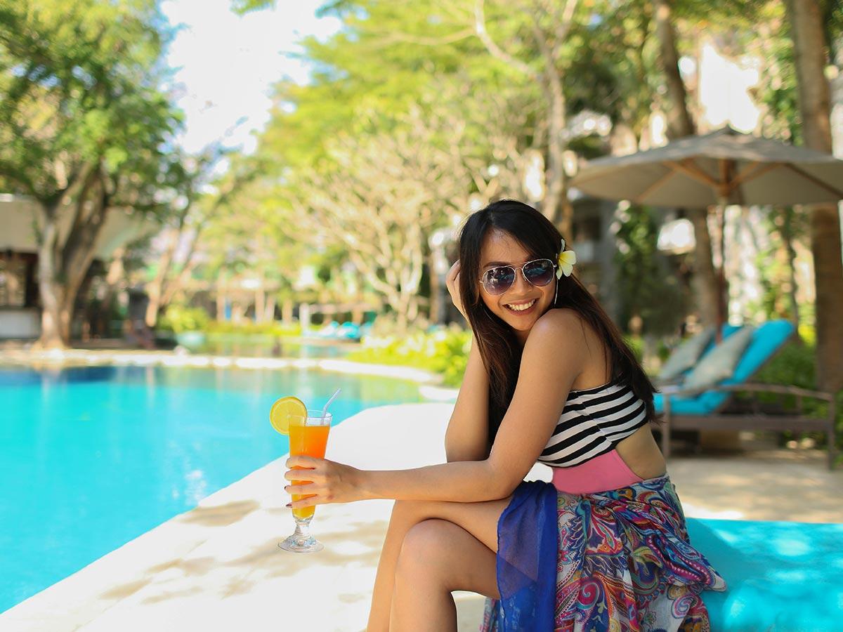 Courtyard by Marriott Bali Nusa Dua Resort lifestyle drink pool