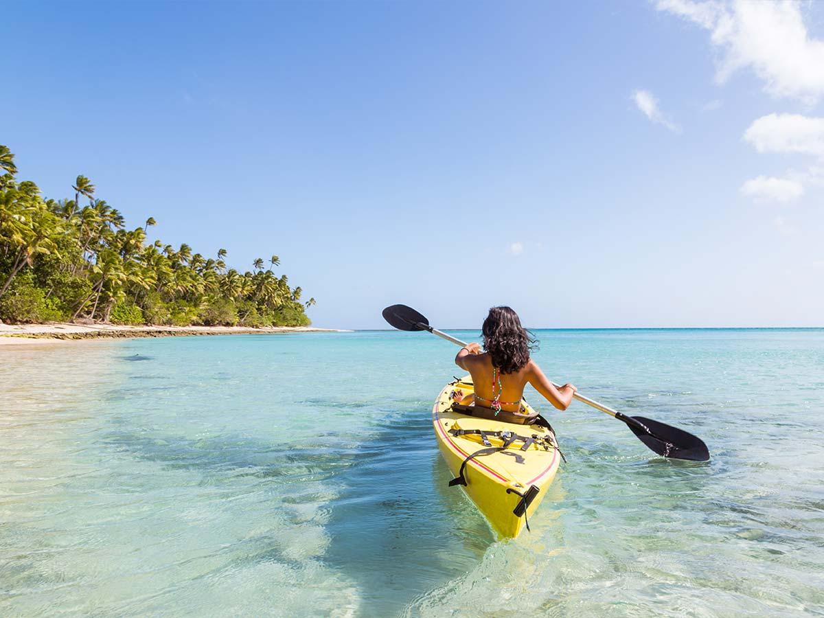 Fiji-woman-kayak
