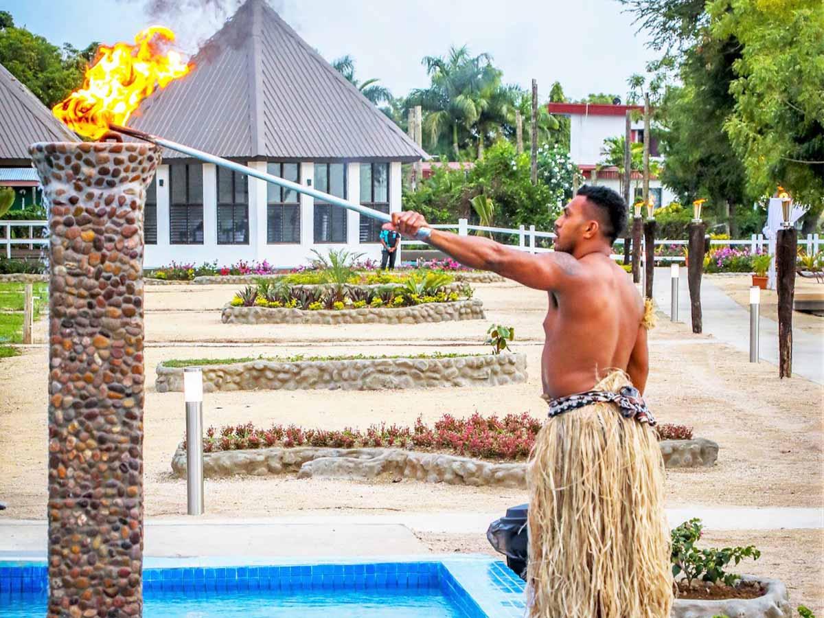 Fiji-Hideaway-Resort-&-Spa-Vuda-torch-lighting