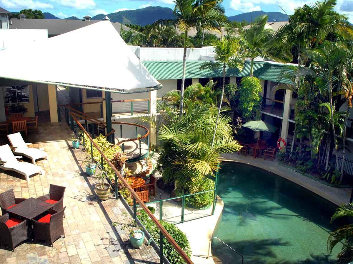 Bay-Village-Tropical-Retreat-pool