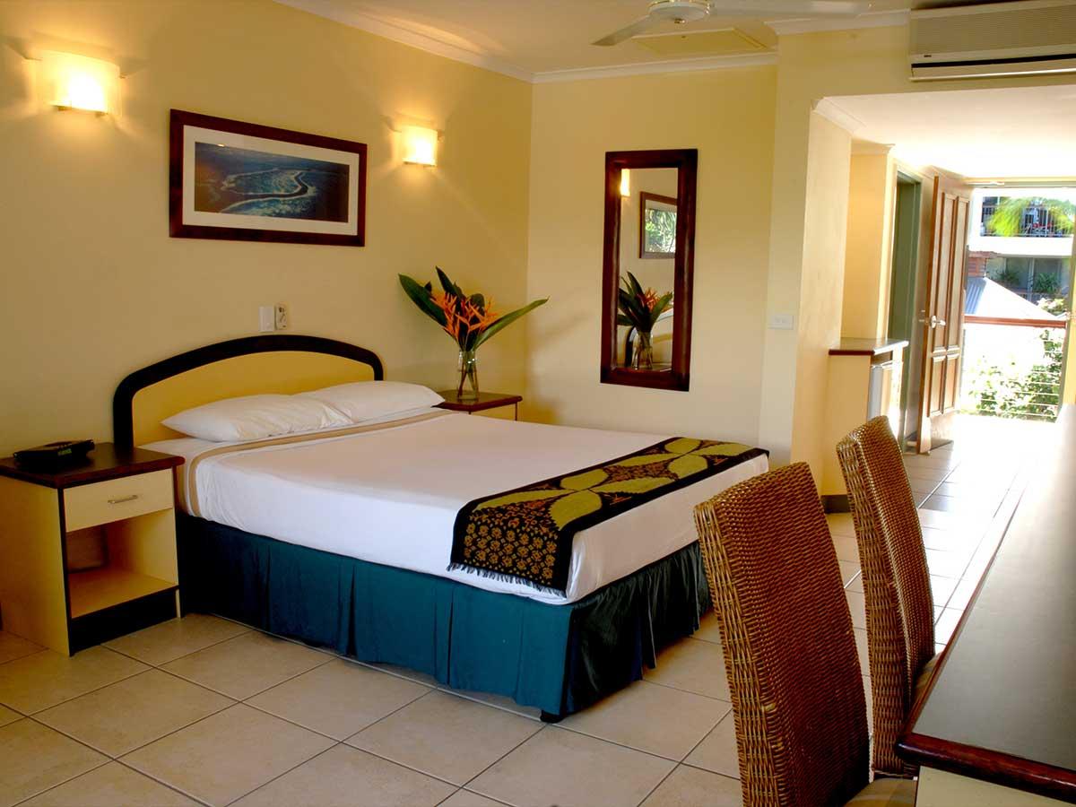 Bay-Village-Tropical-Retreat-standard-room