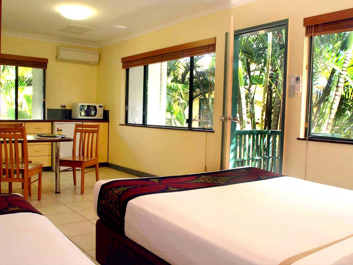 Bay-Village-Tropical-Retreat-studio-room