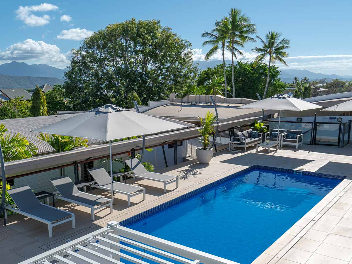 Saltwater-Luxury-Apartments-Port-Douglas-roof-top-pool