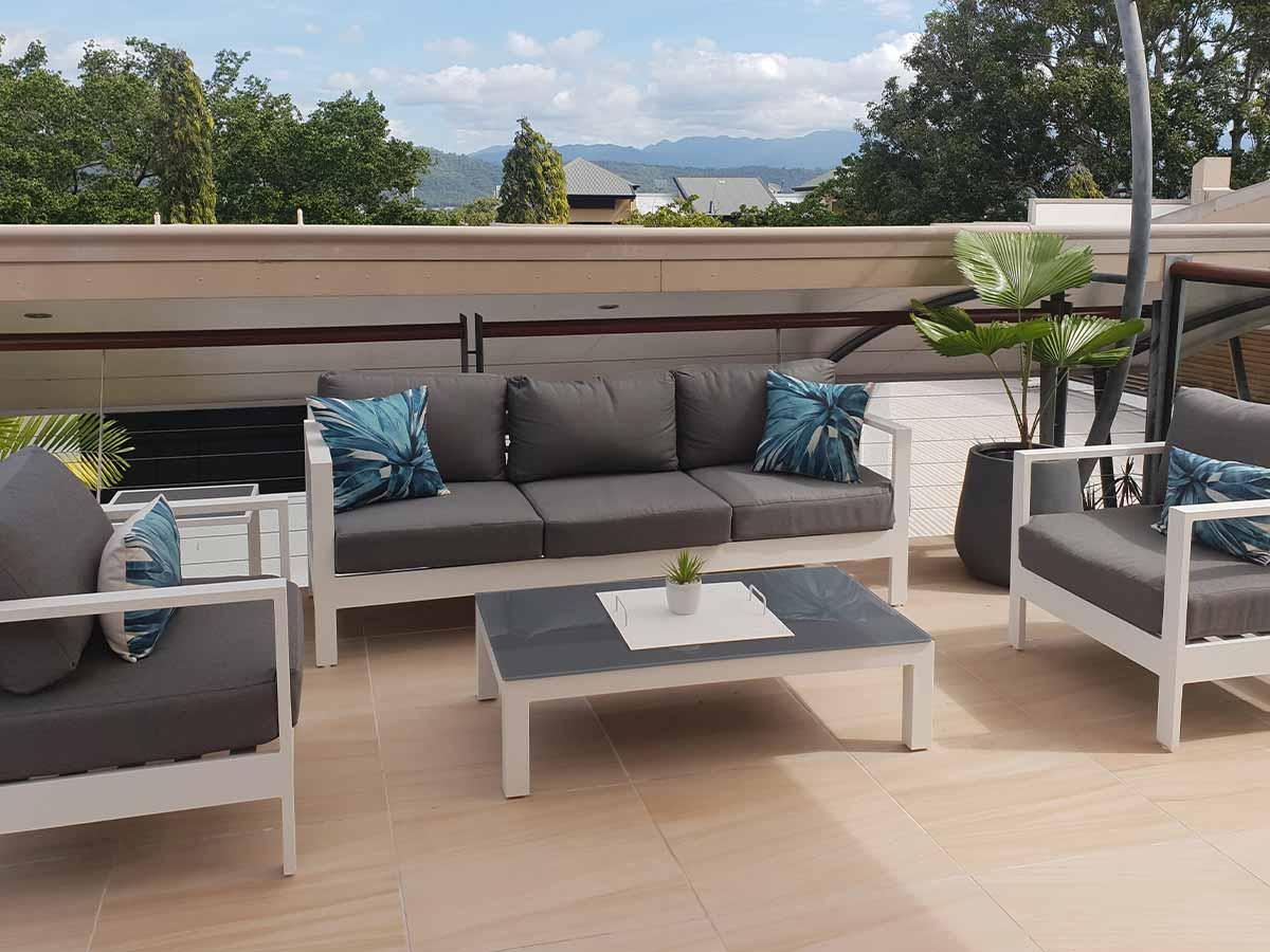 Saltwater-Luxury-Apartments-Port-Douglas-balcony