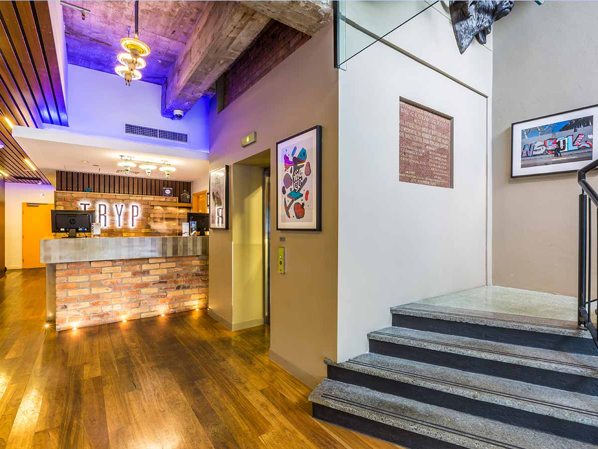 Tryp-by-Wyndham-fortitude-valley-brisbane-reception